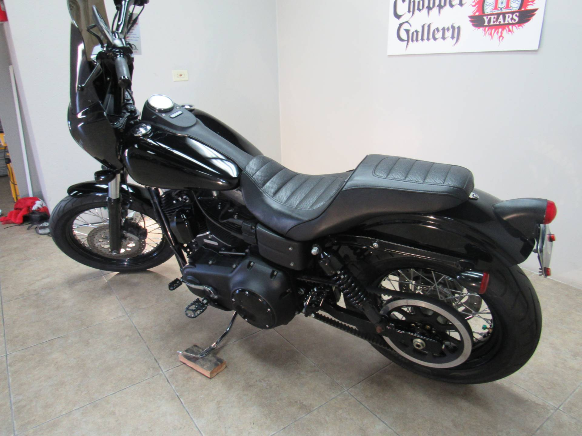 2011 Harley-Davidson Dyna® Street Bob® in Temecula, California - Photo 25