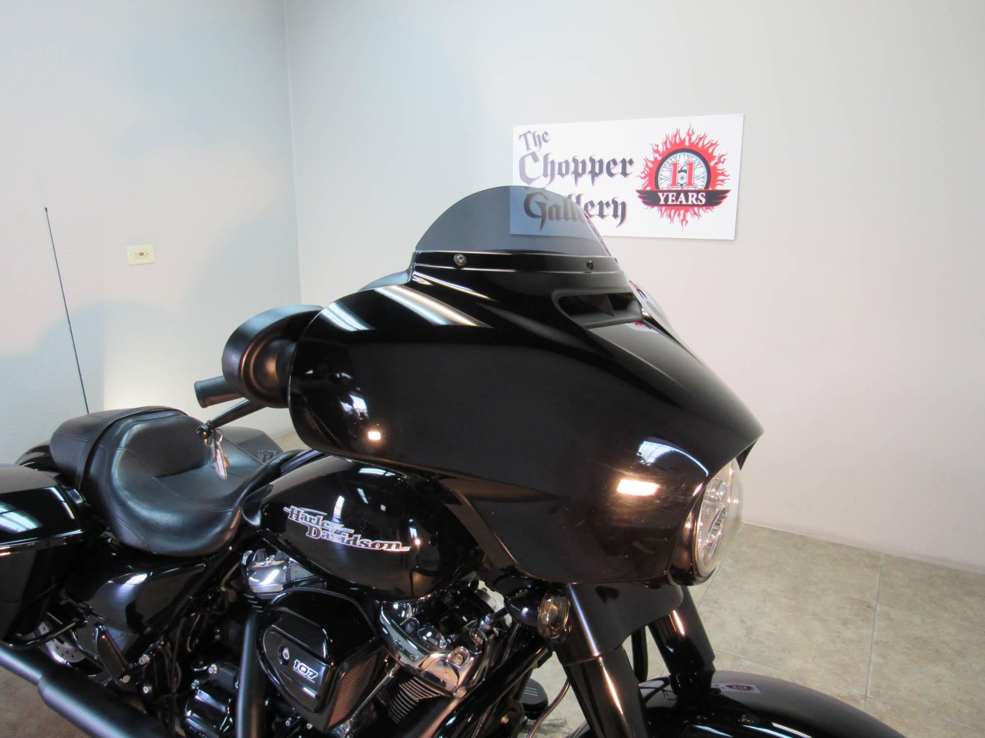2018 Harley-Davidson Street Glide Special 11