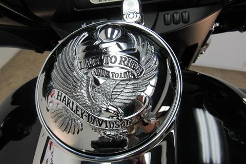 2016 Harley-Davidson Electra Glide® Ultra Classic® in Temecula, California - Photo 18