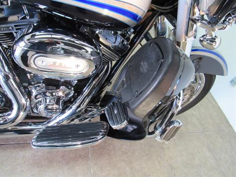 2009 Harley-Davidson CVO™ Ultra Classic® Electra Glide® in Temecula, California - Photo 24
