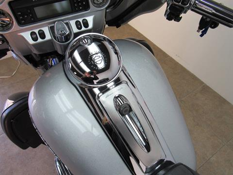 2009 Harley-Davidson CVO™ Ultra Classic® Electra Glide® in Temecula, California - Photo 26