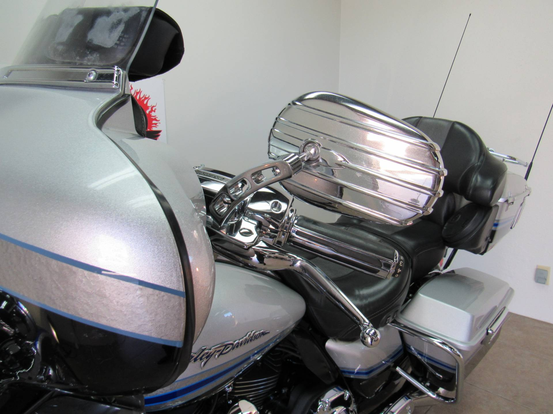 2009 Harley-Davidson CVO™ Ultra Classic® Electra Glide® in Temecula, California - Photo 34