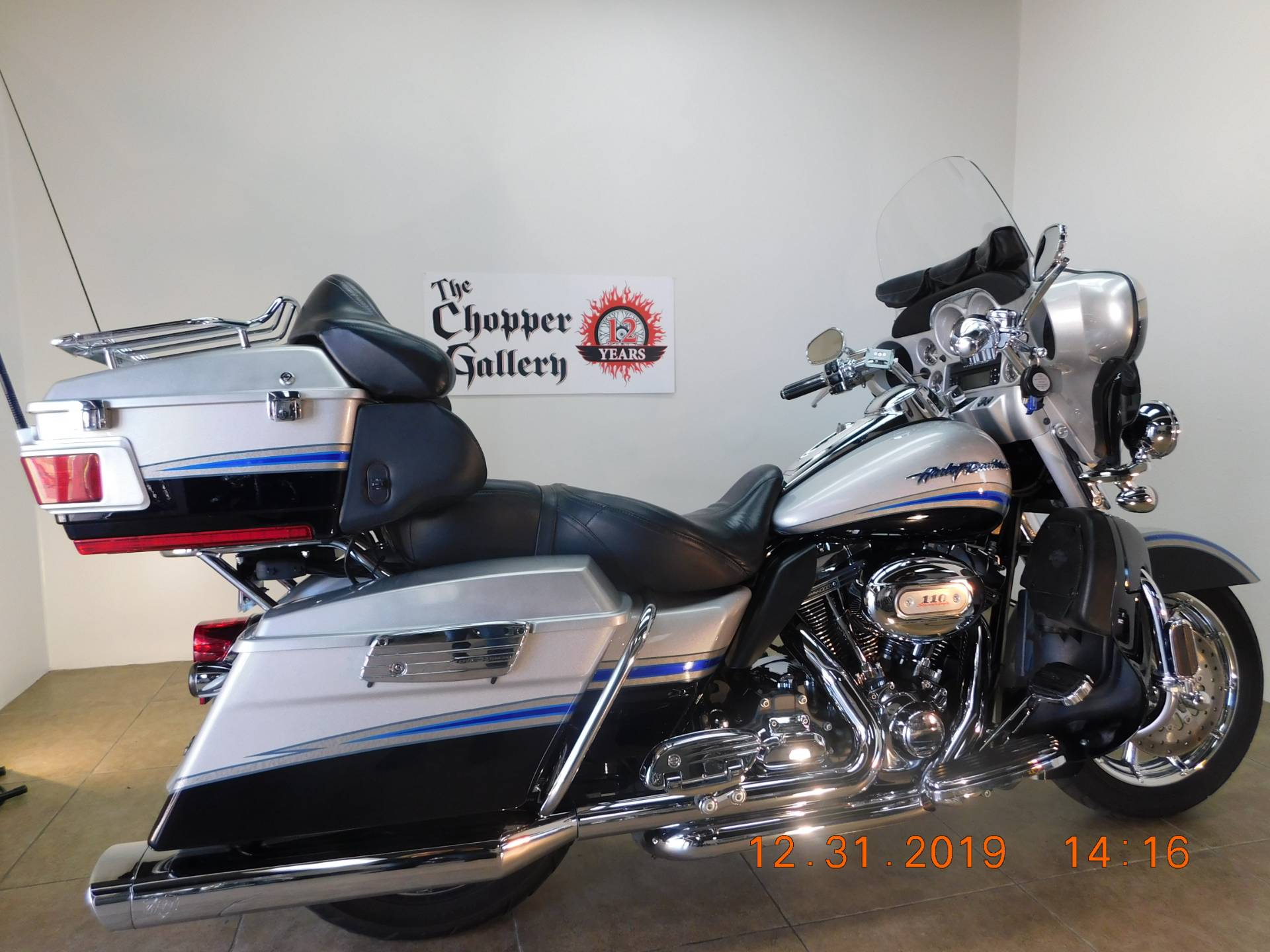 2009 Harley-Davidson CVO™ Ultra Classic® Electra Glide® in Temecula, California - Photo 27