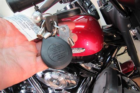 2013 Harley-Davidson Electra Glide® Ultra Limited in Temecula, California - Photo 18