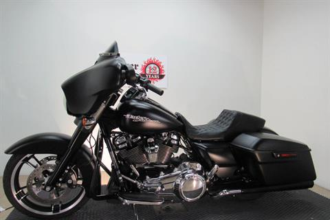 2017 Harley-Davidson Street Glide® Special in Temecula, California - Photo 20