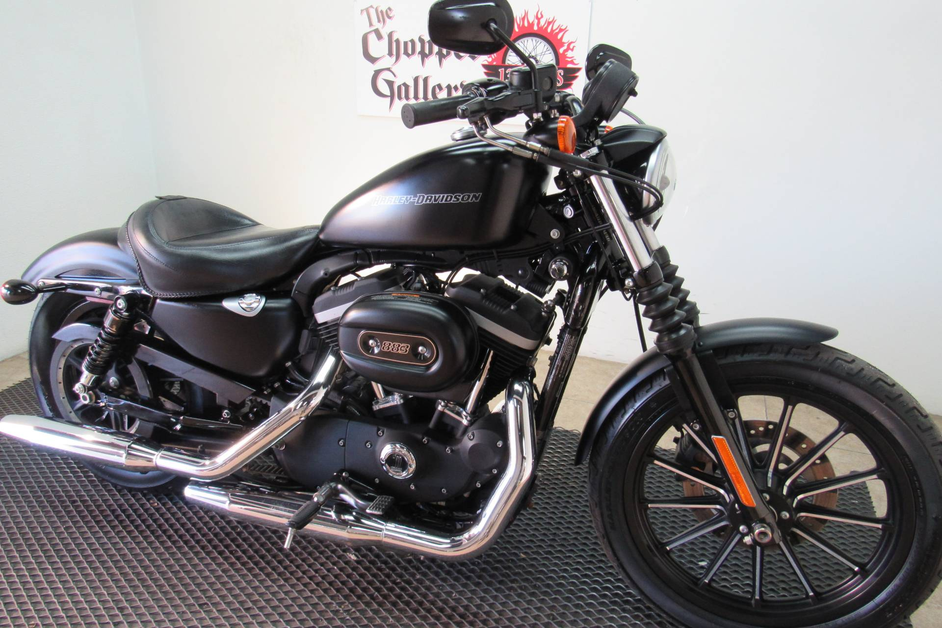 2011 Harley-Davidson Sportster® Iron 883™ in Temecula, California - Photo 3