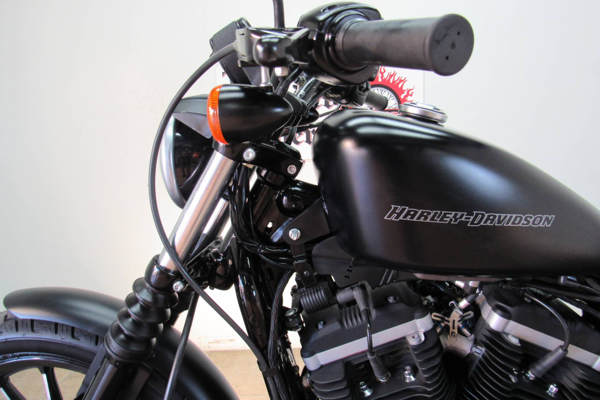2011 Harley-Davidson Sportster® Iron 883™ in Temecula, California - Photo 10