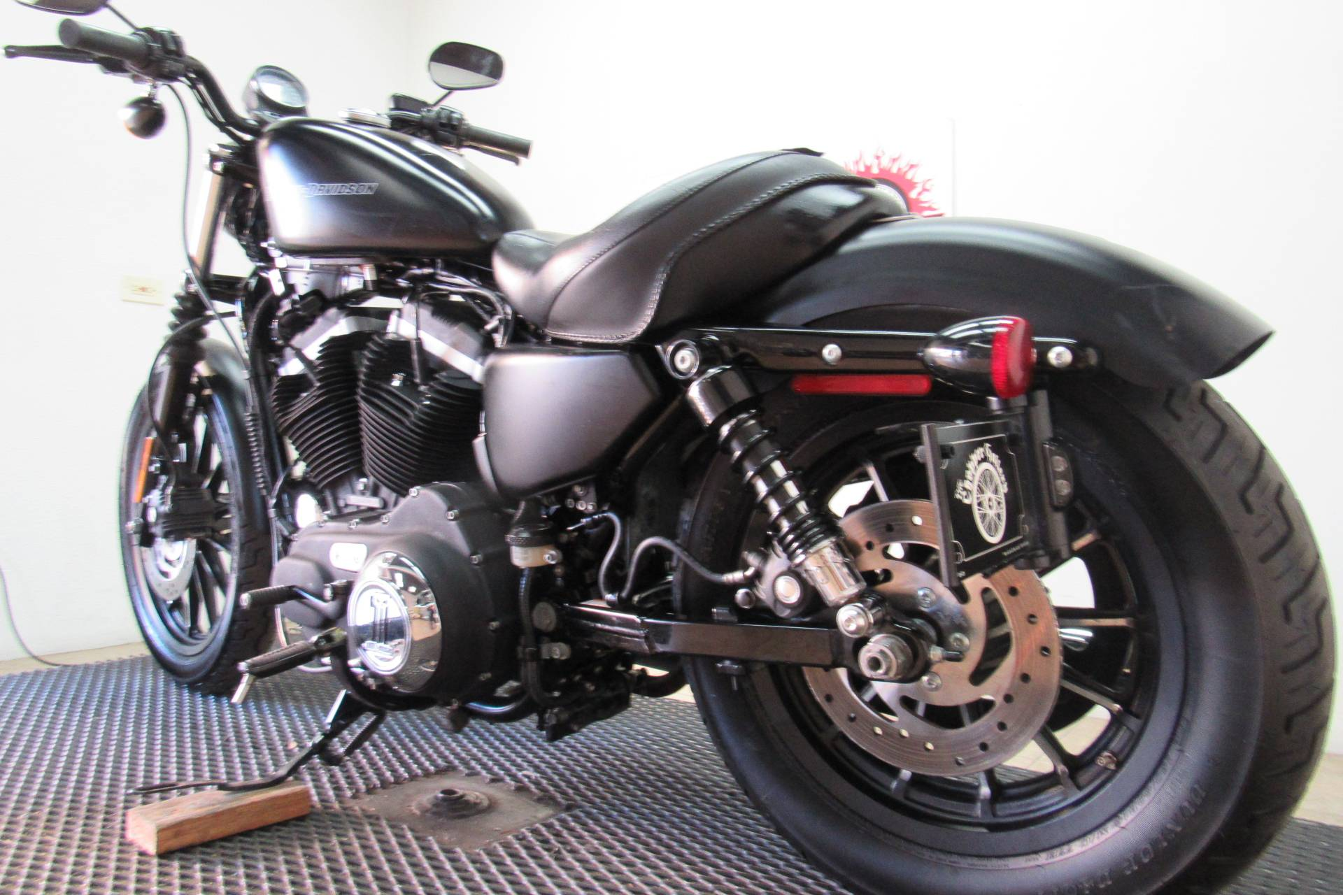 2011 Harley-Davidson Sportster® Iron 883™ in Temecula, California - Photo 25