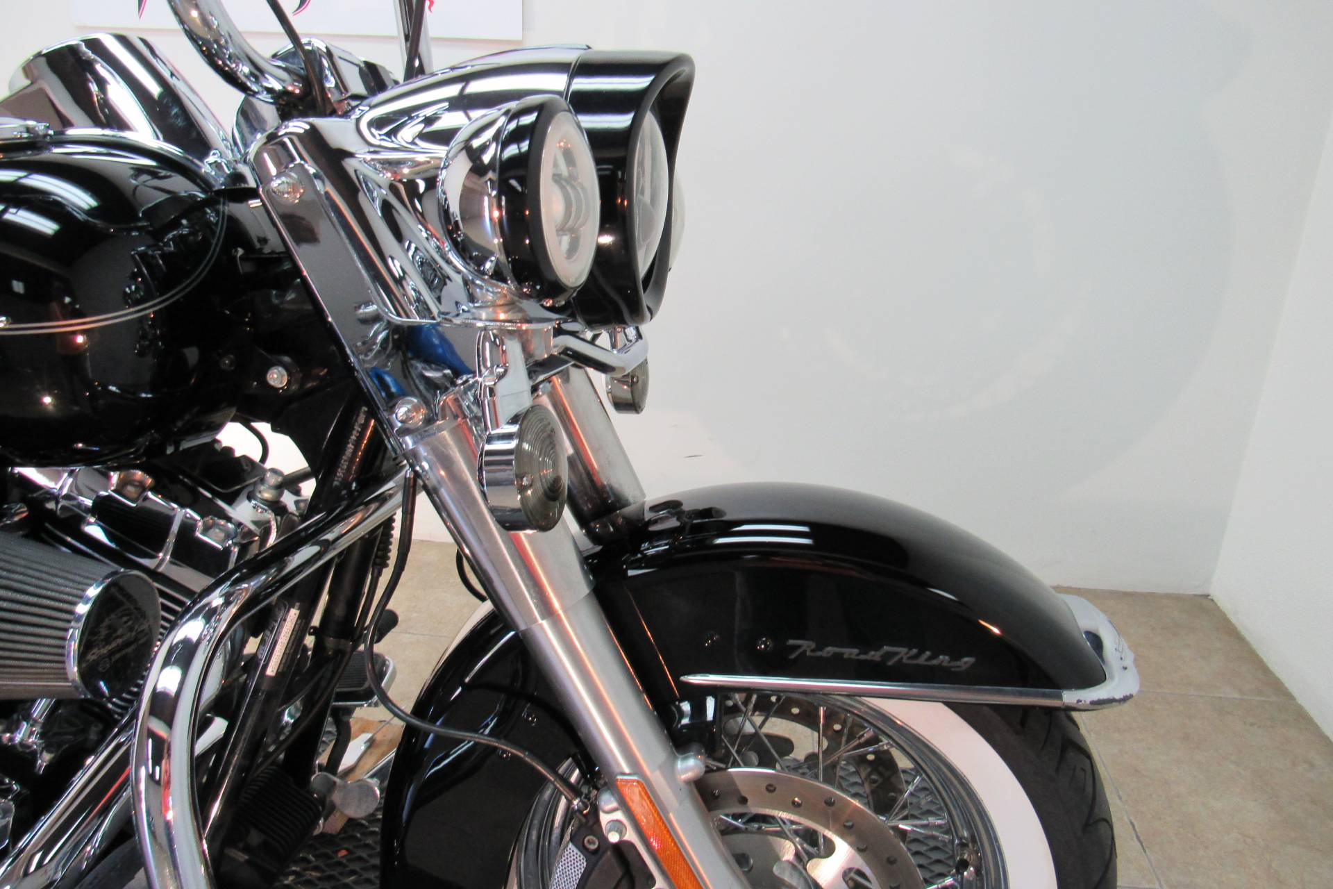 2009 Harley-Davidson Road King® Classic in Temecula, California - Photo 4
