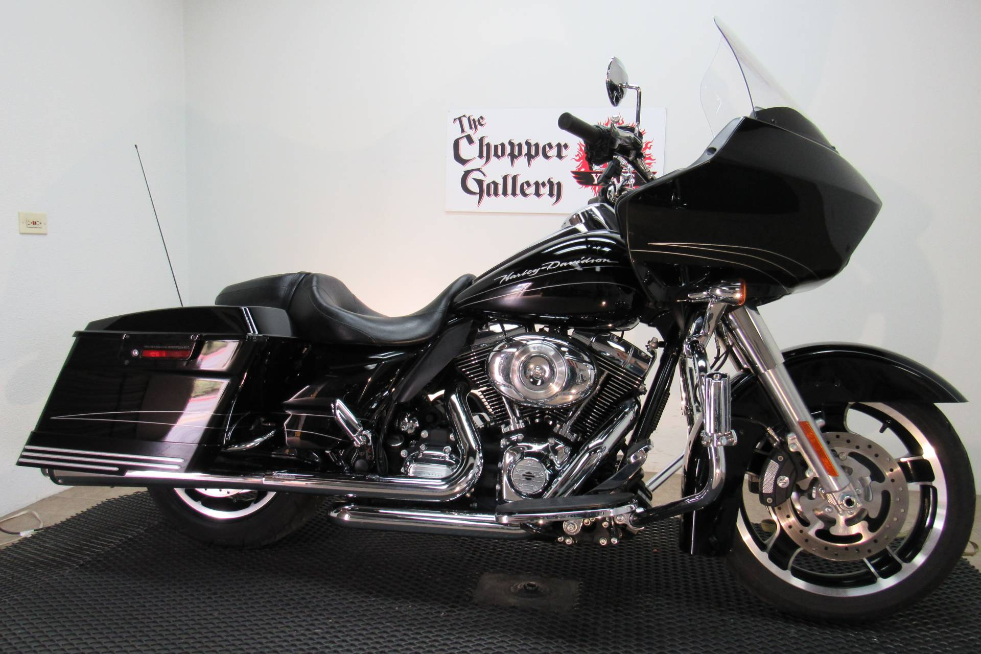 2013 Harley-Davidson Road Glide® Custom in Temecula, California - Photo 3