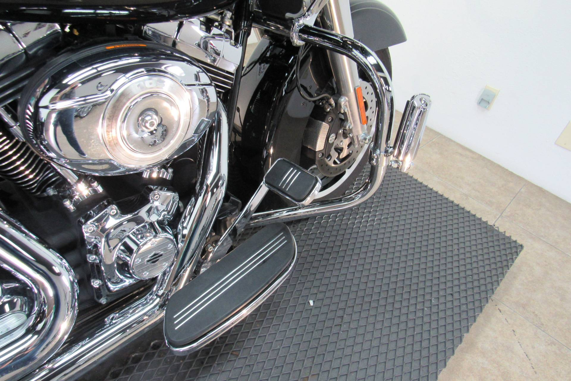 2013 Harley-Davidson Road Glide® Custom in Temecula, California - Photo 13