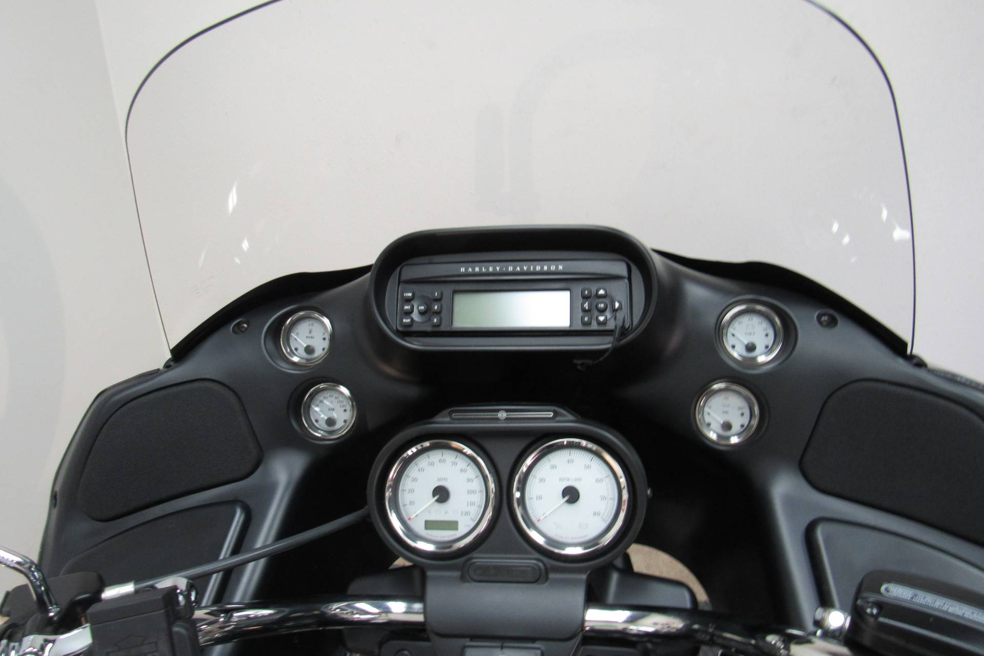 2013 Harley-Davidson Road Glide® Custom in Temecula, California - Photo 6
