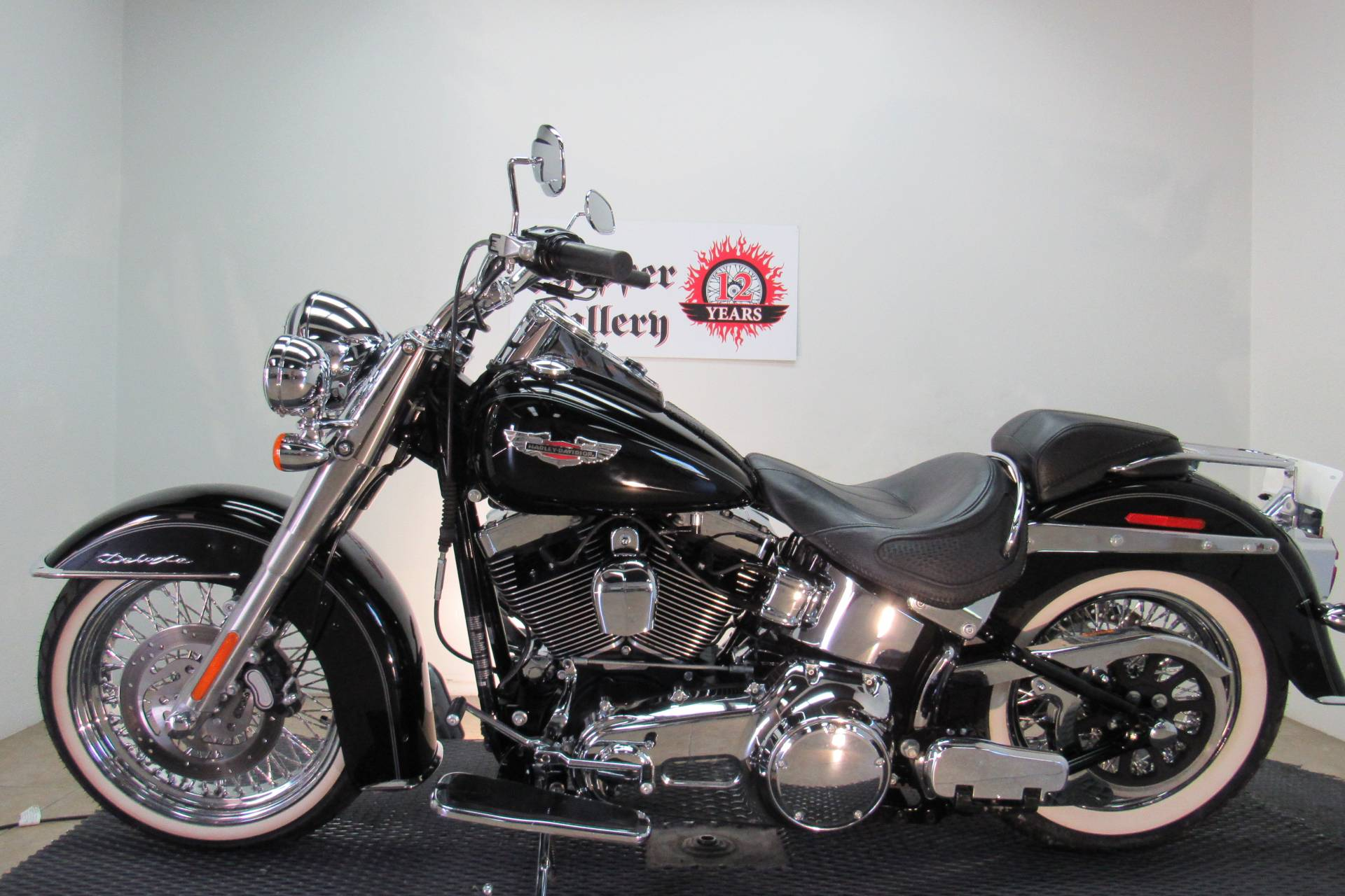 2009 Harley-Davidson Softail Deluxe in Temecula, California - Photo 2