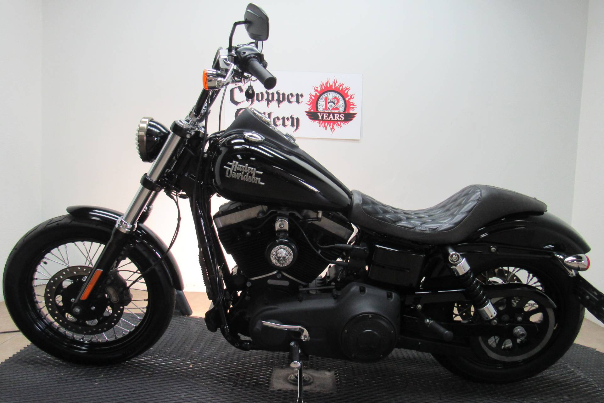 2016 Harley-Davidson Street Bob® in Temecula, California - Photo 2