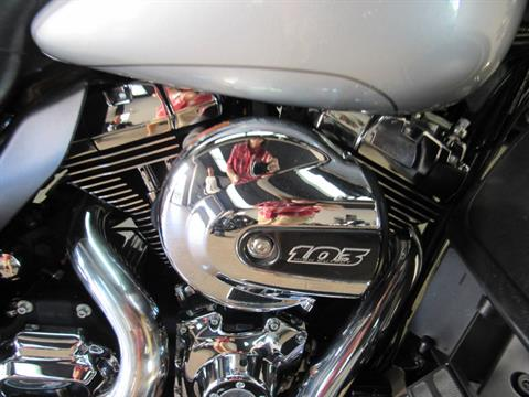 2015 Harley-Davidson Electra Glide® Ultra Classic® in Temecula, California - Photo 18