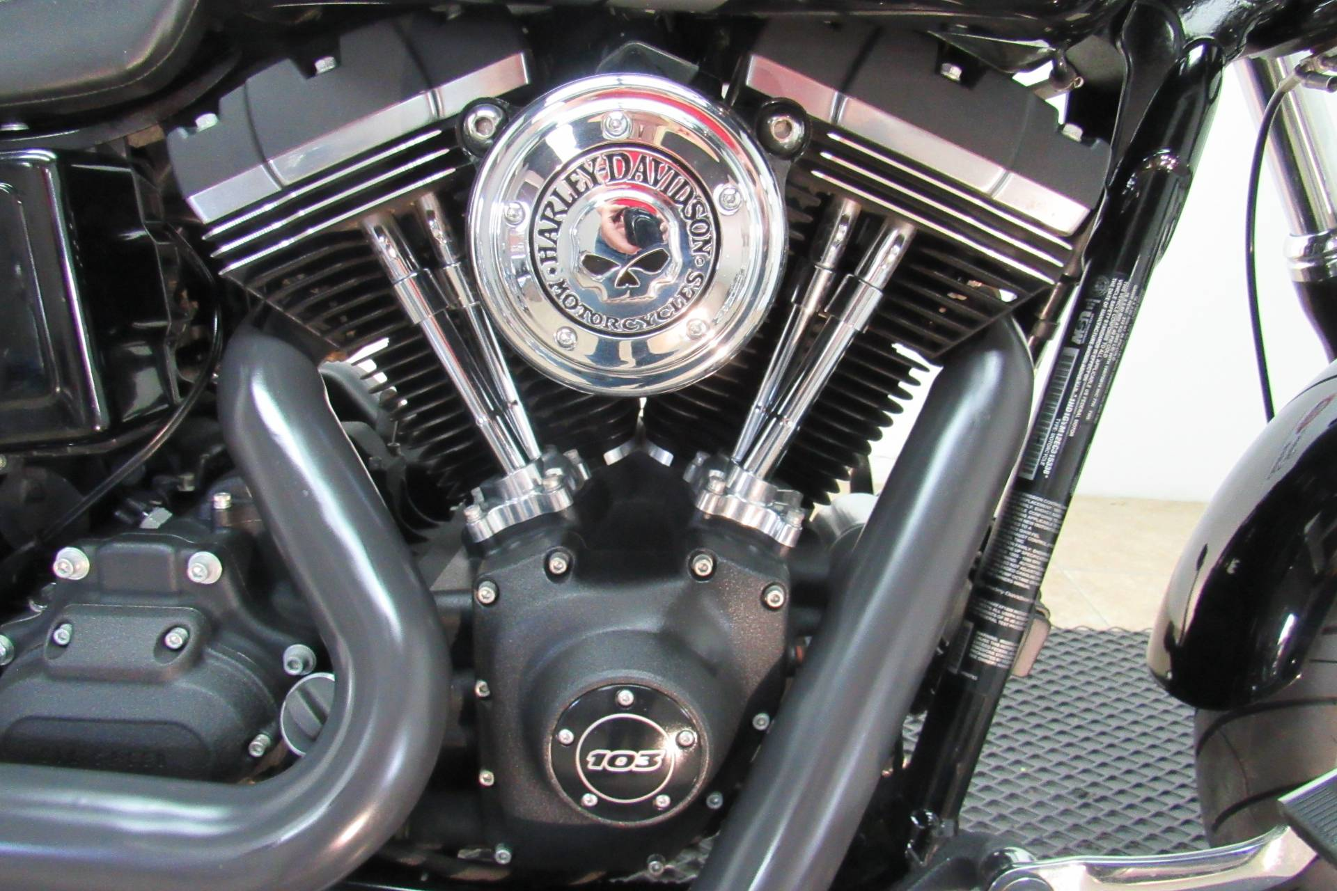 2014 Harley-Davidson Dyna® Fat Bob® in Temecula, California - Photo 5