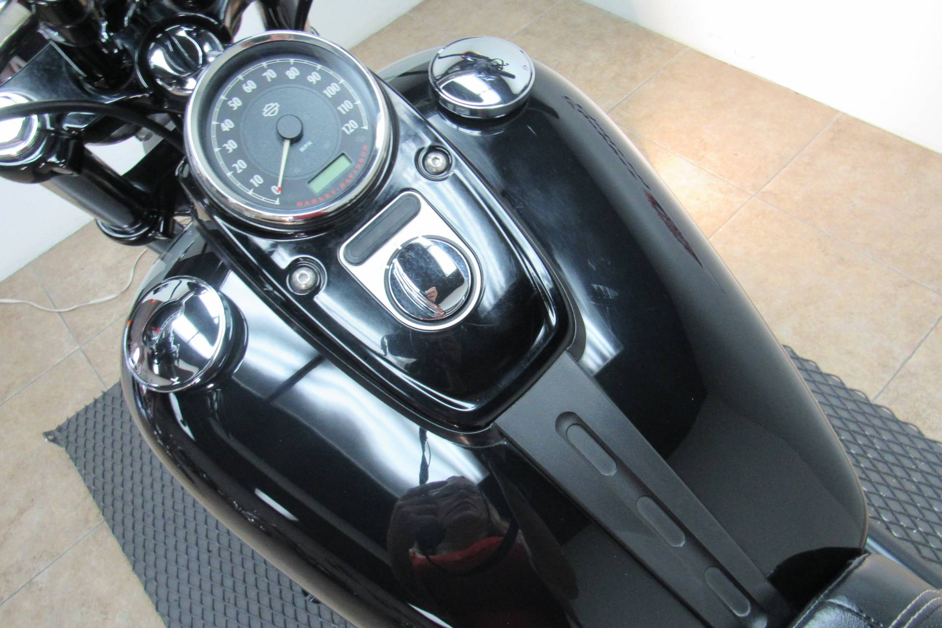 2014 Harley-Davidson Dyna® Fat Bob® in Temecula, California - Photo 21