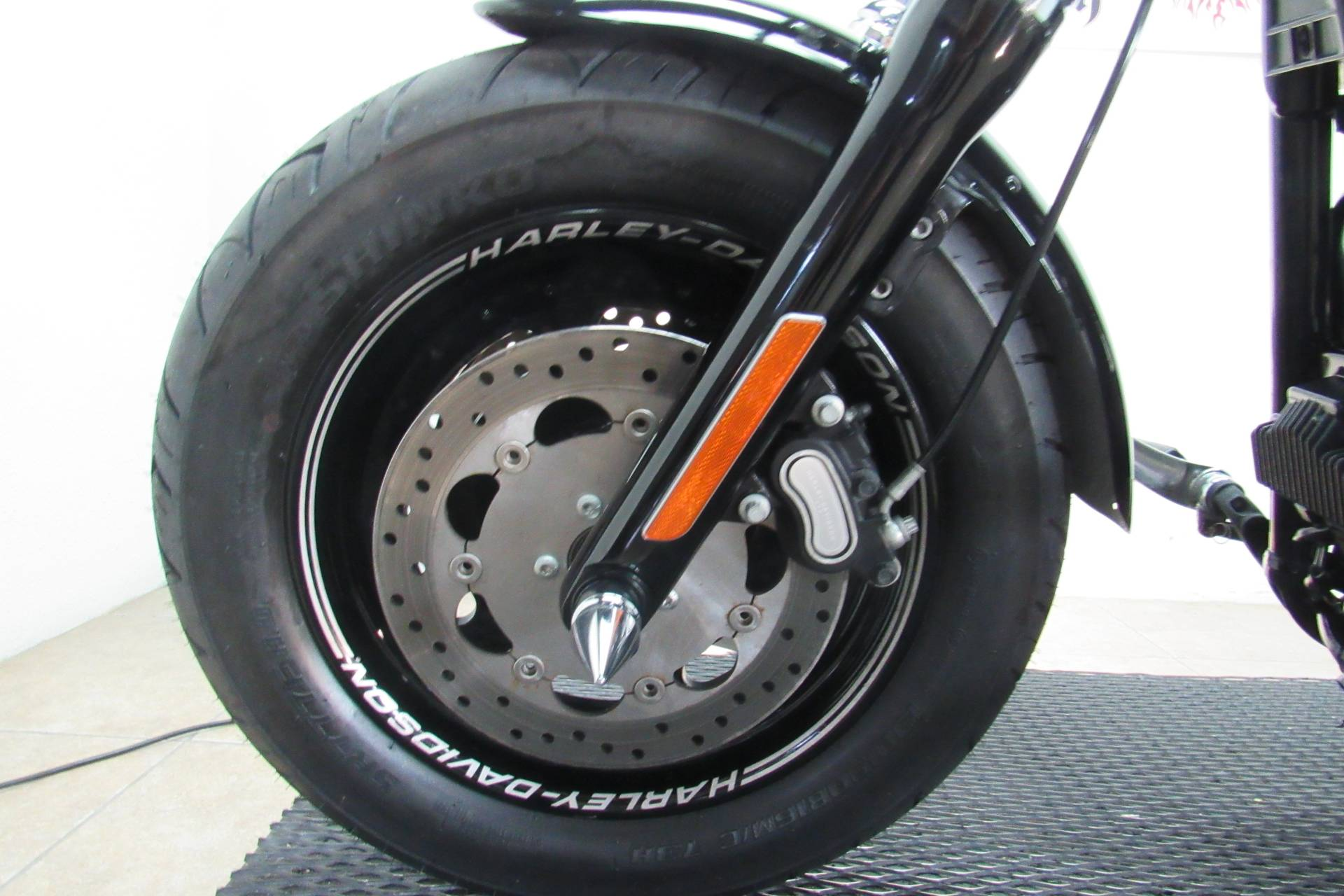 2014 Harley-Davidson Dyna® Fat Bob® in Temecula, California - Photo 26