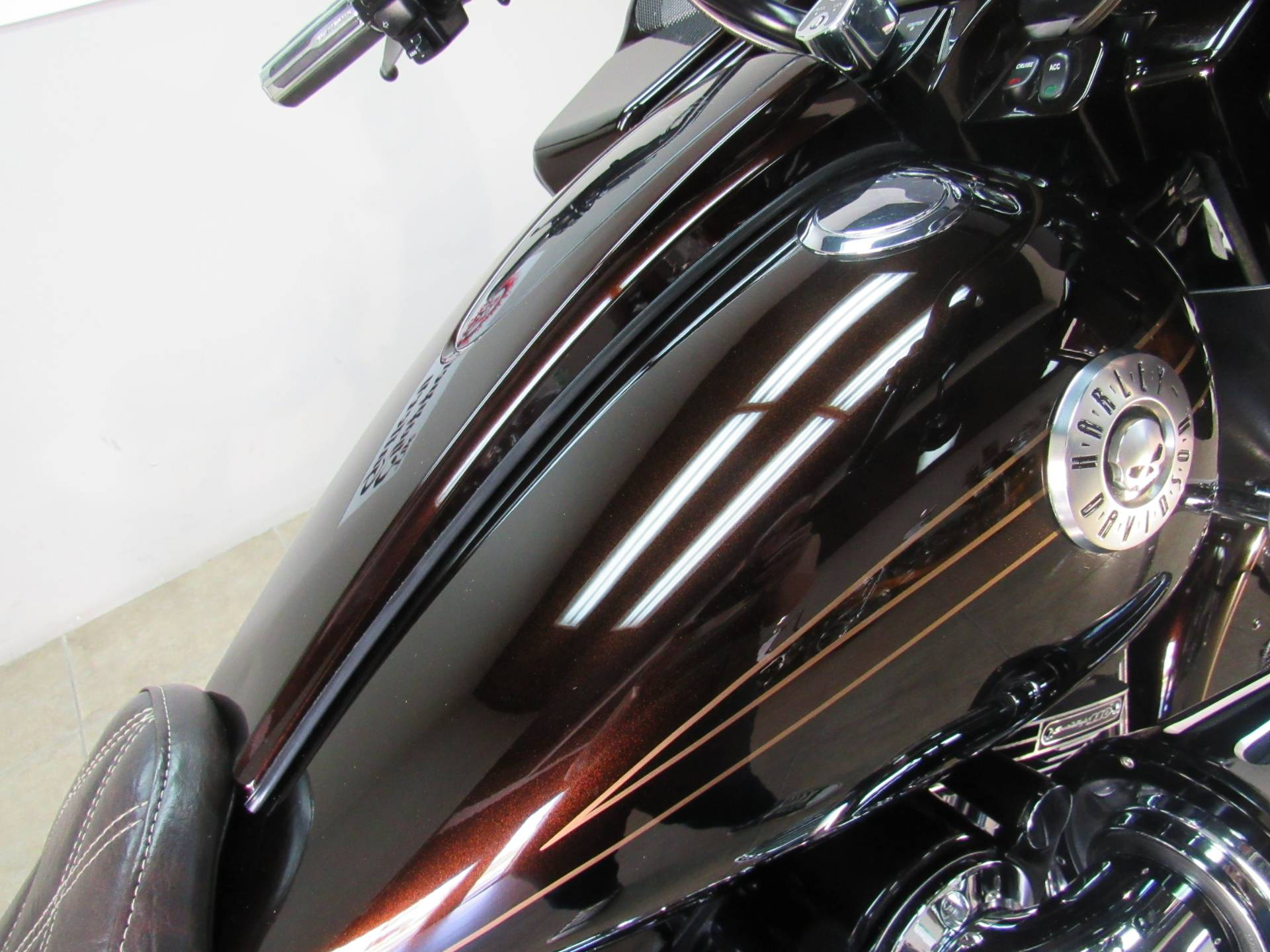 2012 Harley-Davidson CVO™ Road Glide® Custom in Temecula, California - Photo 12