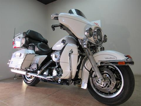2004 Harley-Davidson FLHTCUI Ultra Classic® Electra Glide® in Temecula, California - Photo 3