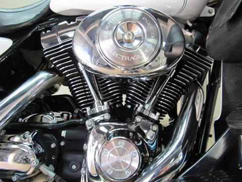 2004 Harley-Davidson FLHTCUI Ultra Classic® Electra Glide® in Temecula, California - Photo 12