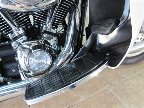 2004 Harley-Davidson FLHTCUI Ultra Classic® Electra Glide® in Temecula, California - Photo 17