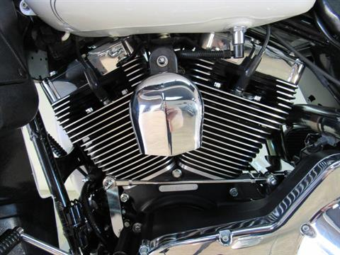 2004 Harley-Davidson FLHTCUI Ultra Classic® Electra Glide® in Temecula, California - Photo 27