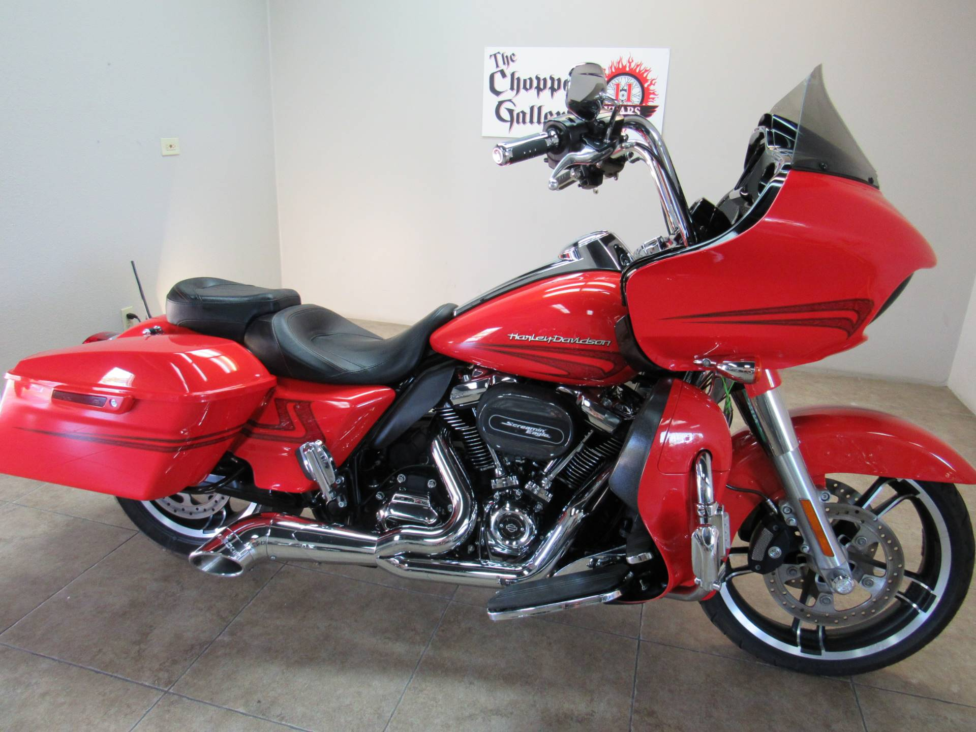 2017 Harley-Davidson Road Glide® Special in Temecula, California - Photo 2