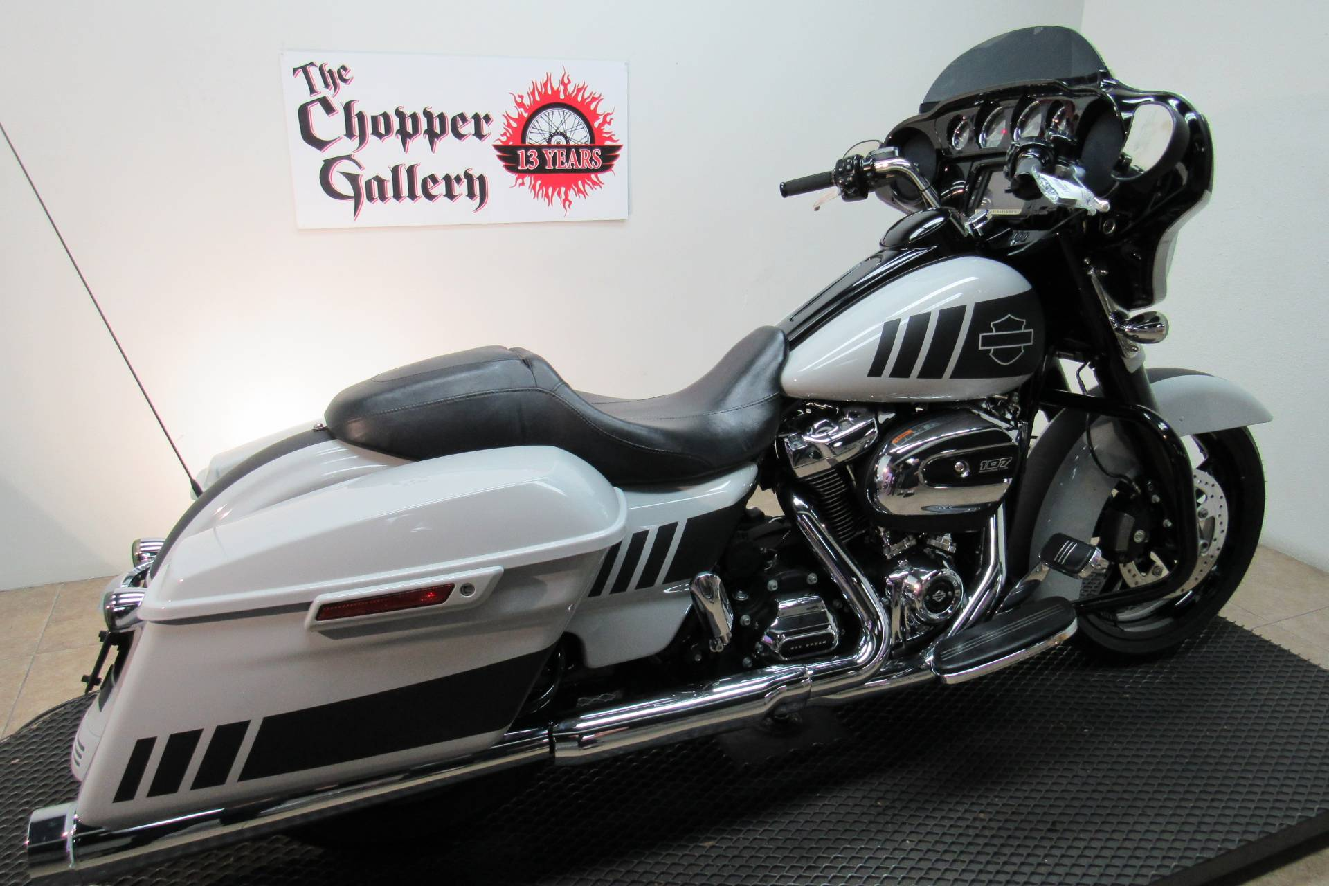 2017 Harley-Davidson Street Glide® Special in Temecula, California - Photo 5