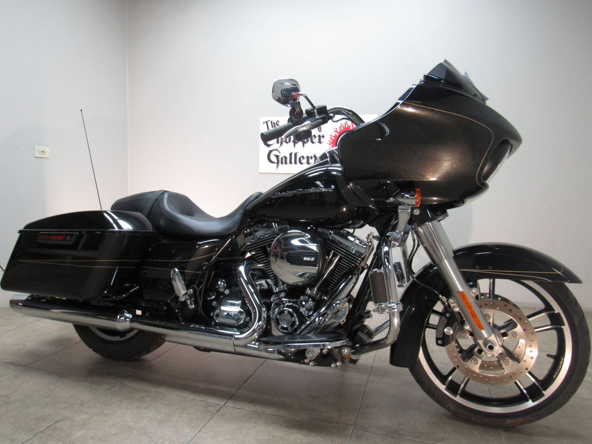 2016 Harley-Davidson Road Glide® Special in Temecula, California - Photo 3