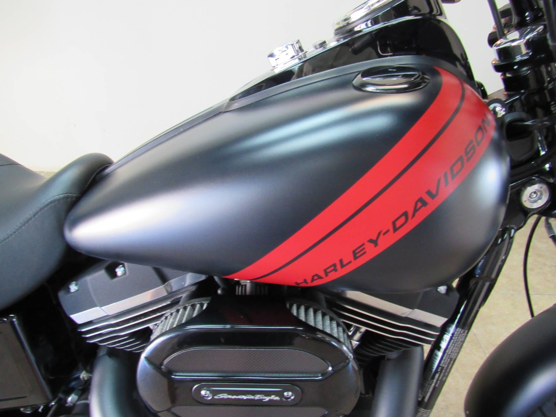 2016 Harley-Davidson Fat Bob® in Temecula, California - Photo 4