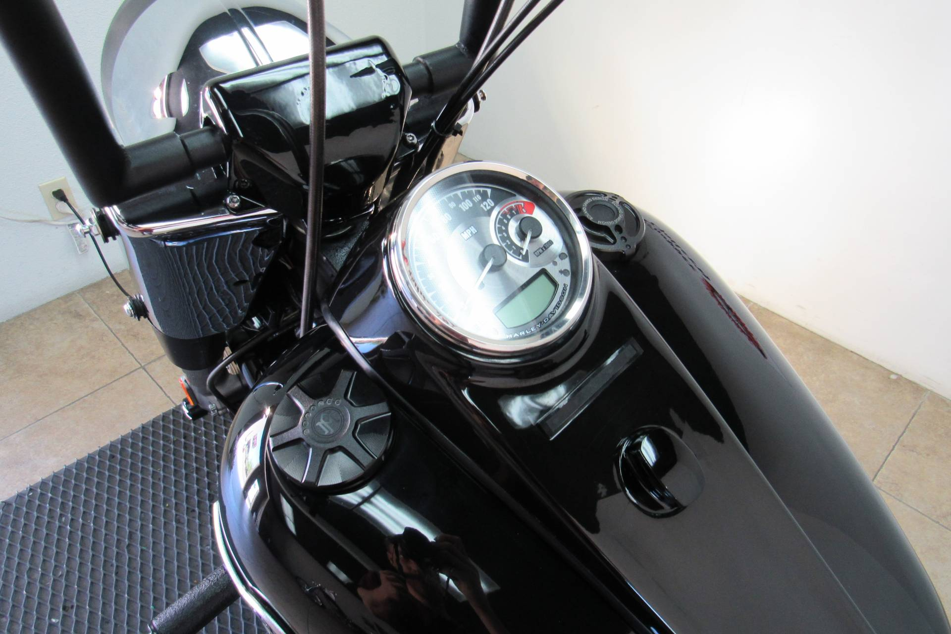 2012 Harley-Davidson Softail® Fat Boy® Lo in Temecula, California - Photo 27
