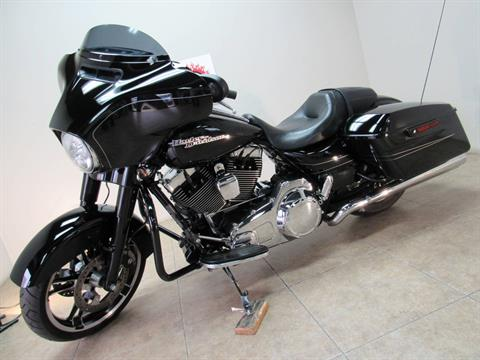 2016 Harley-Davidson Street Glide® Special in Temecula, California - Photo 24