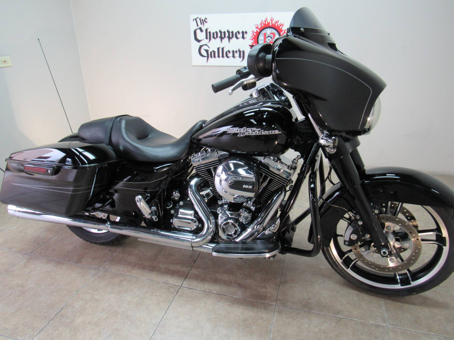 2016 Harley-Davidson Street Glide® Special in Temecula, California - Photo 28