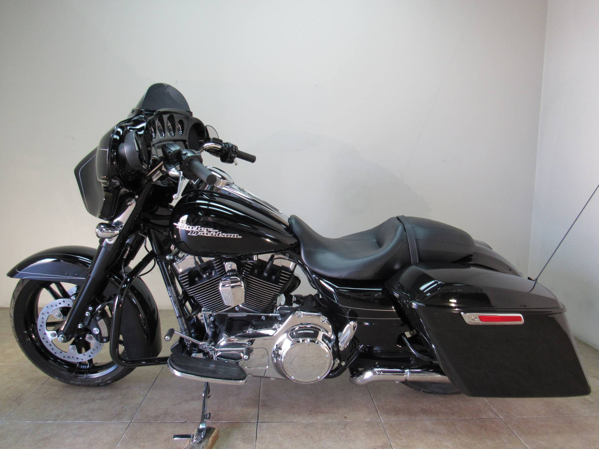 2016 Harley-Davidson Street Glide® Special in Temecula, California - Photo 2