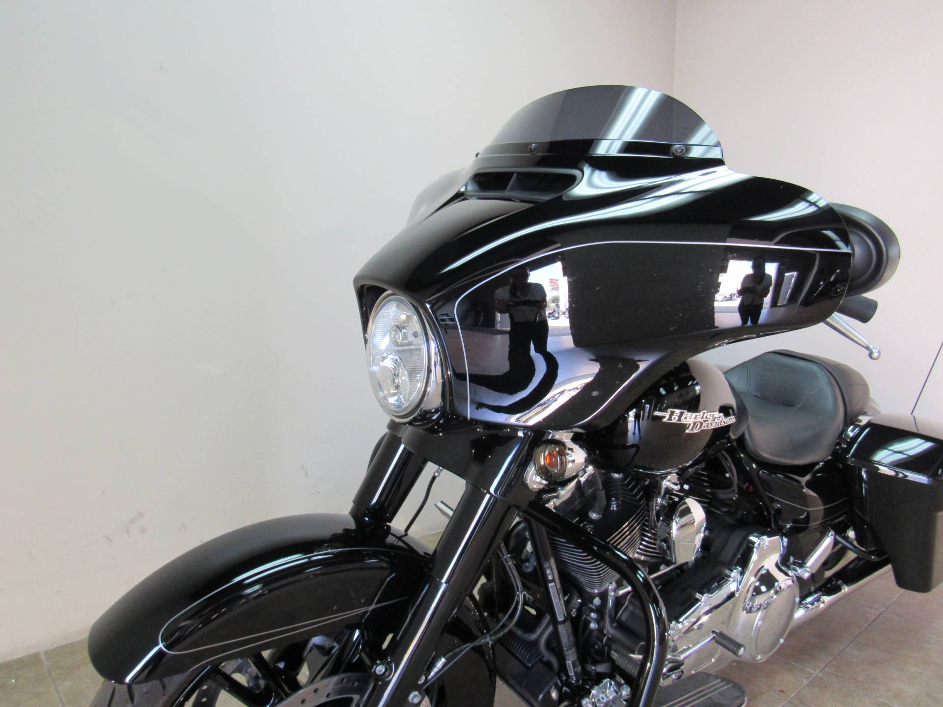 2016 Harley-Davidson Street Glide® Special in Temecula, California - Photo 32