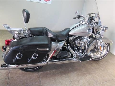 2009 Harley-Davidson Road King® Classic in Temecula, California - Photo 13