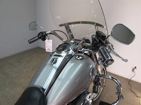 2009 Harley-Davidson Road King® Classic in Temecula, California - Photo 12