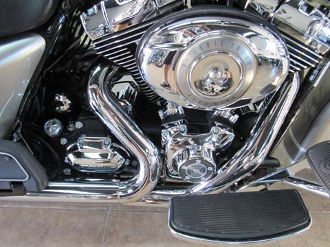 2009 Harley-Davidson Road King® Classic in Temecula, California - Photo 14