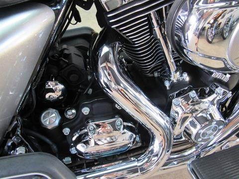 2009 Harley-Davidson Road King® Classic in Temecula, California - Photo 24