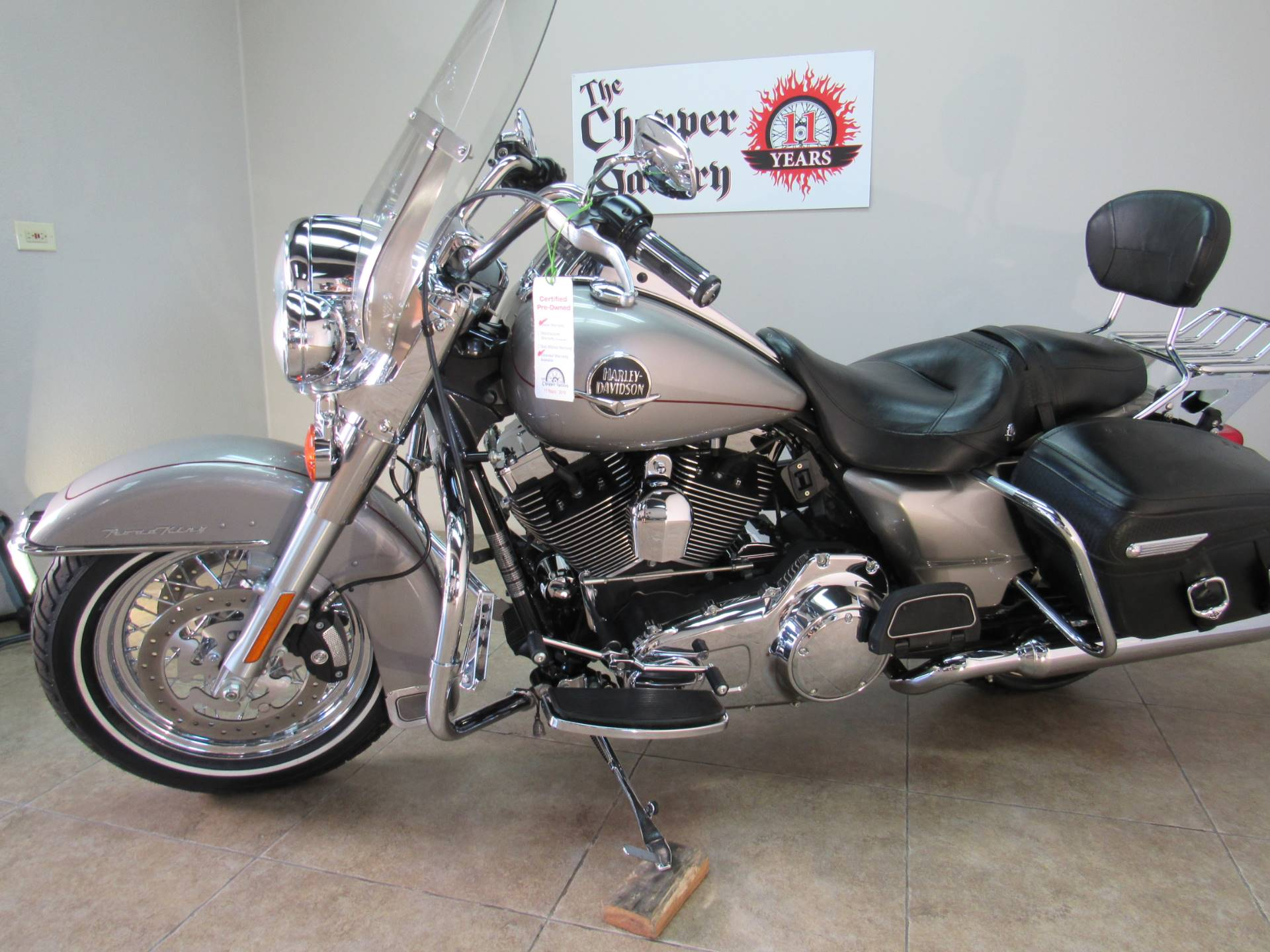 2009 Harley-Davidson Road King® Classic in Temecula, California - Photo 2