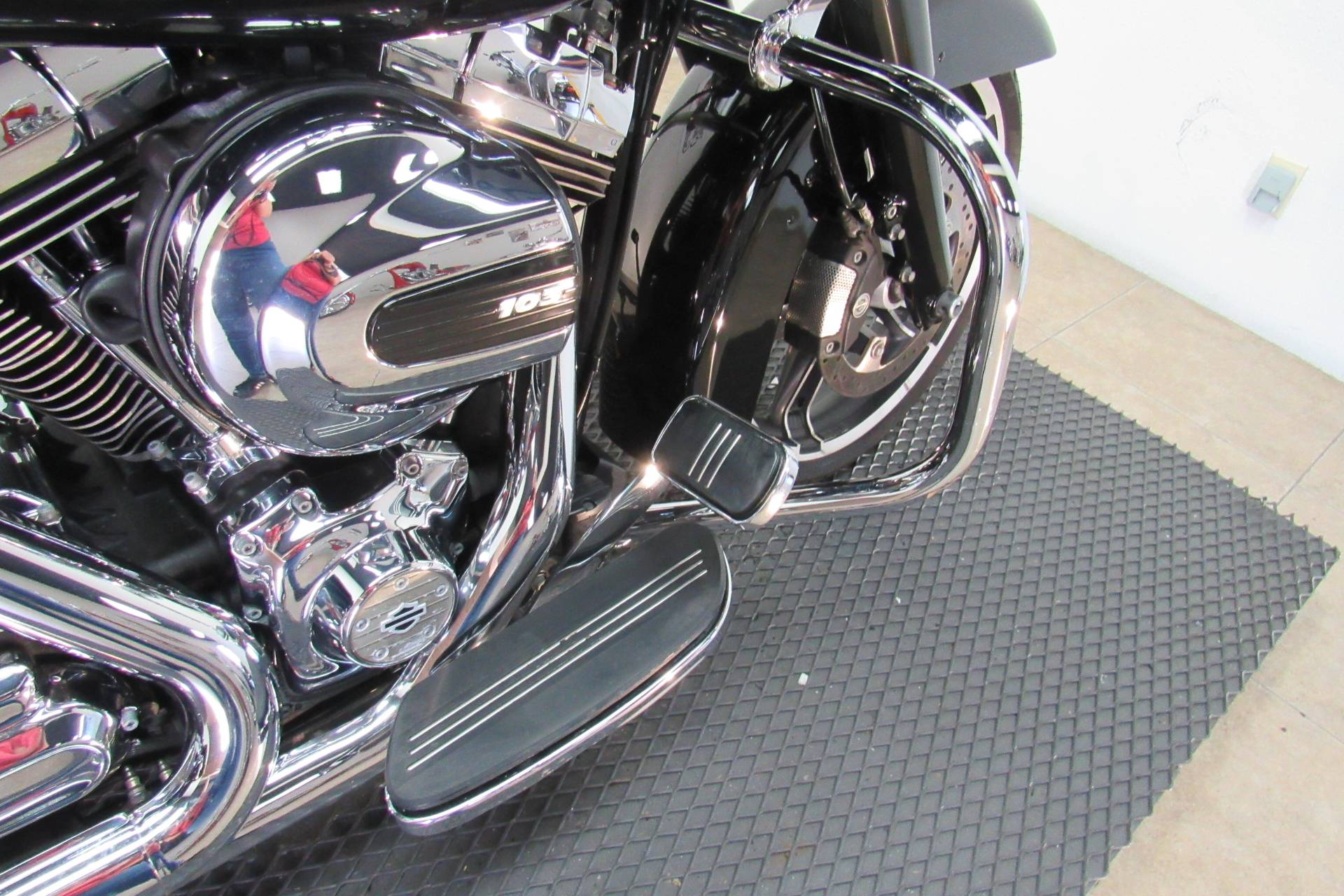 2016 Harley-Davidson Road Glide® Special in Temecula, California - Photo 13