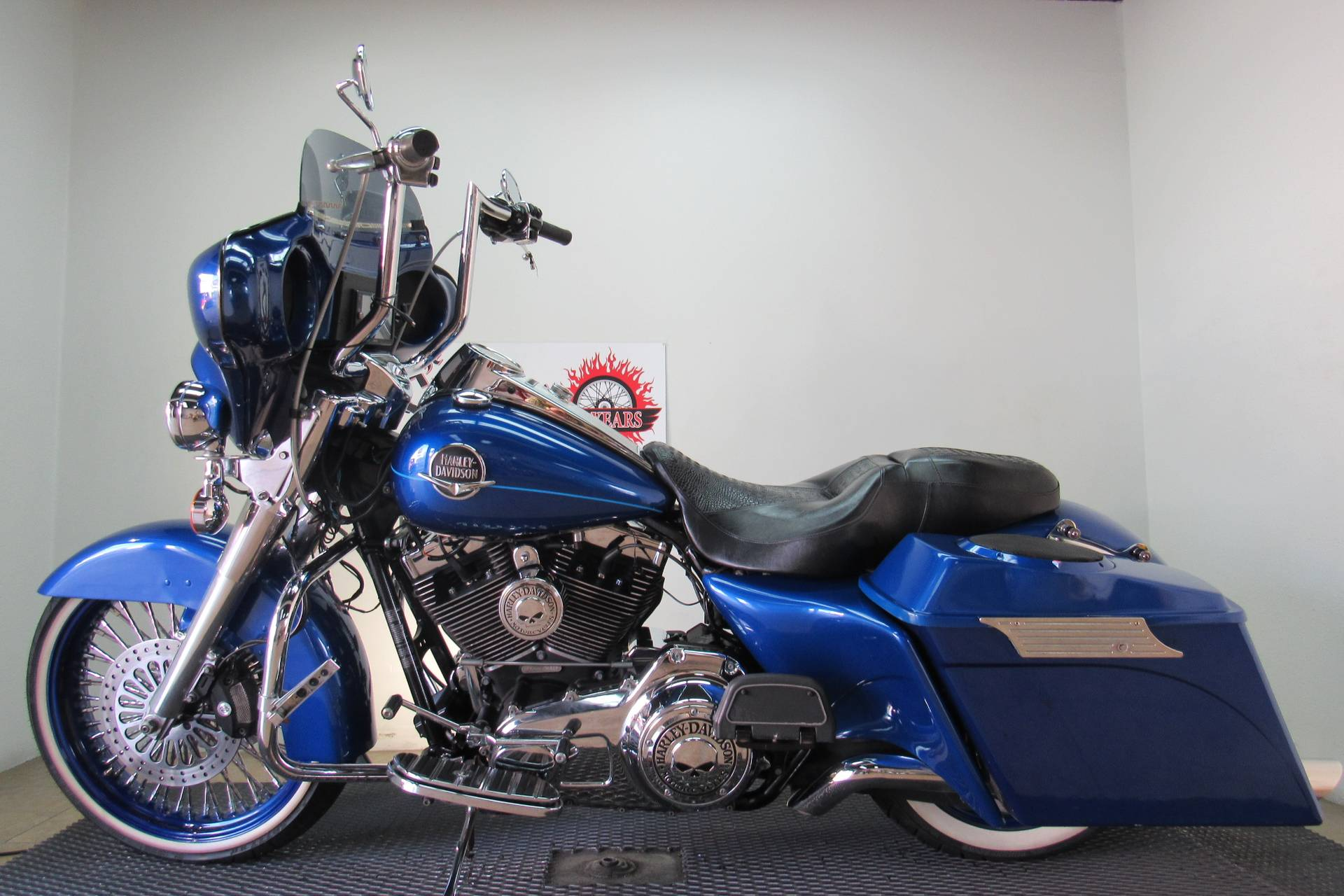 2010 Harley-Davidson Road King® Classic in Temecula, California - Photo 2
