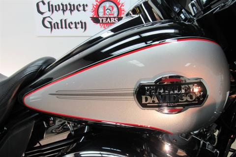 2010 Harley-Davidson Ultra Classic® Electra Glide® in Temecula, California - Photo 13