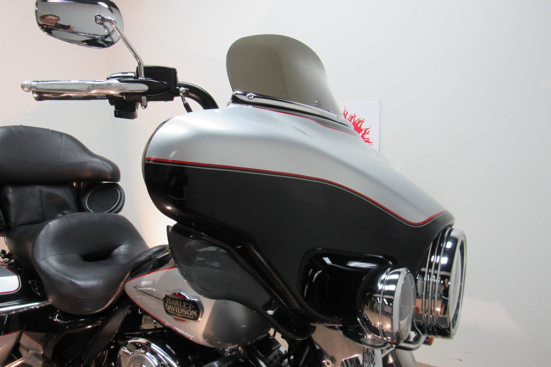 2010 Harley-Davidson Ultra Classic® Electra Glide® in Temecula, California - Photo 6