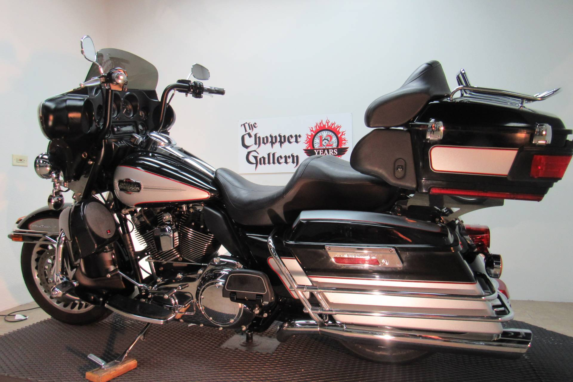 2010 Harley-Davidson Ultra Classic® Electra Glide® in Temecula, California - Photo 16