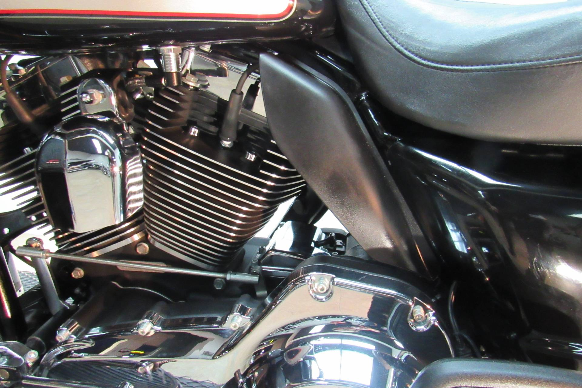 2010 Harley-Davidson Ultra Classic® Electra Glide® in Temecula, California - Photo 31
