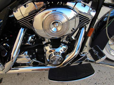 2004 Harley-Davidson Peace Officer Special Edition in Temecula, California - Photo 6