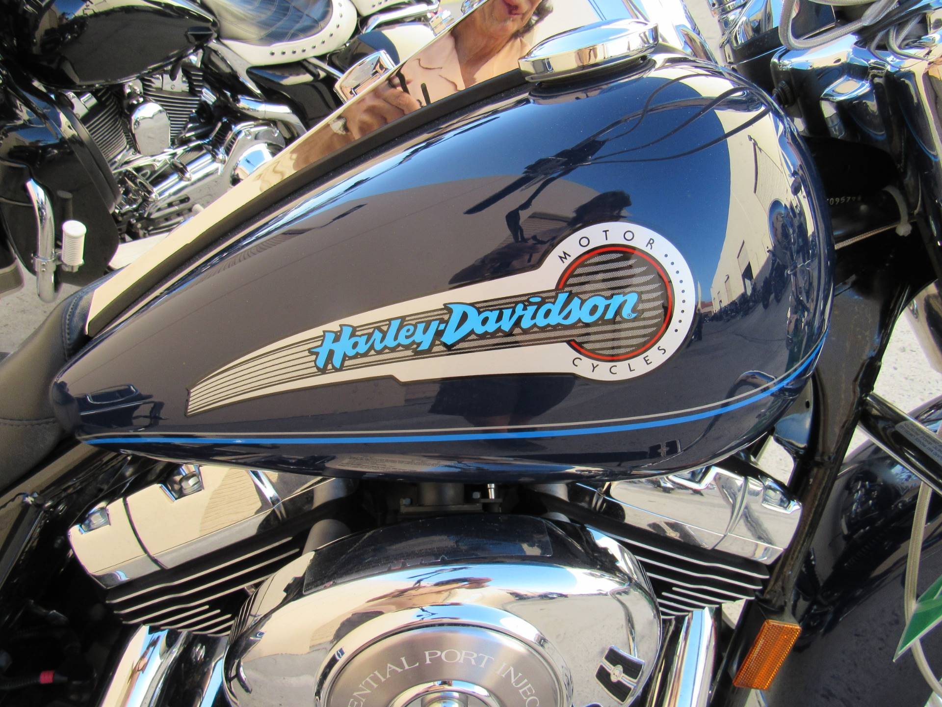 2004 Harley-Davidson Peace Officer Special Edition in Temecula, California - Photo 4