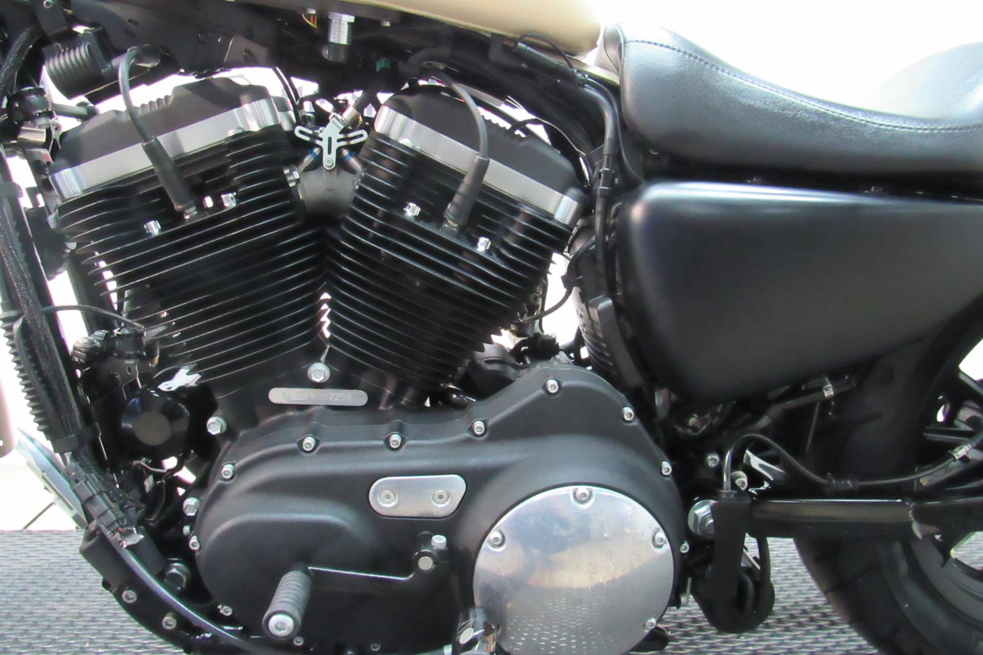 2015 Harley-Davidson Iron 883™ in Temecula, California - Photo 23